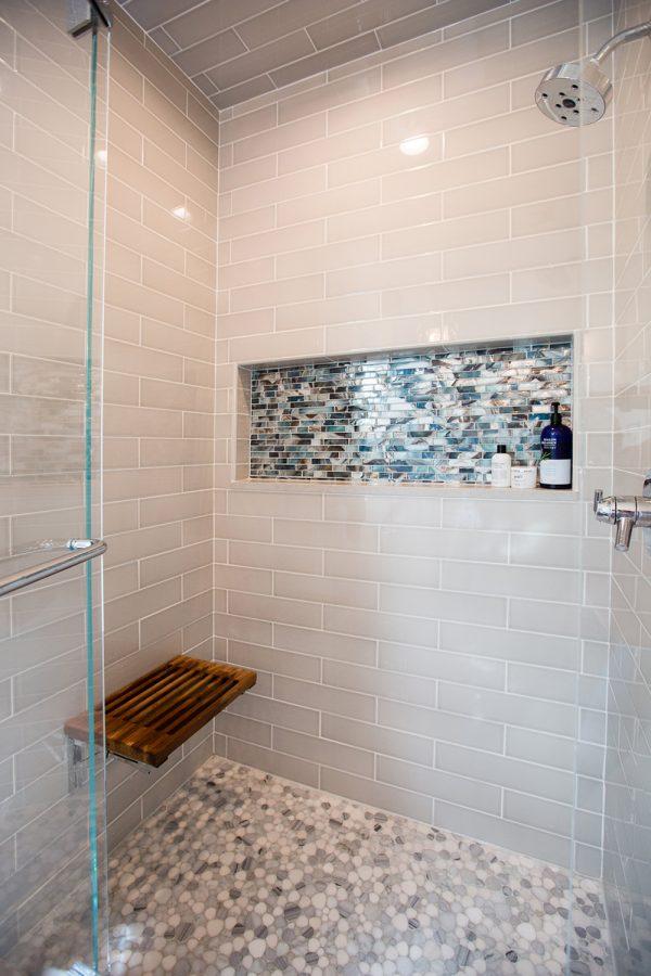 Georgeson Style bathroom shower