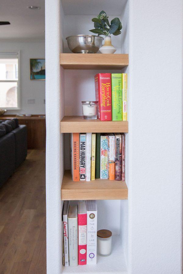 Georgeson Style kitchen bookshelf